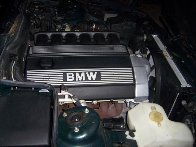 2007 BMW 5 Series, Engine bay, engine