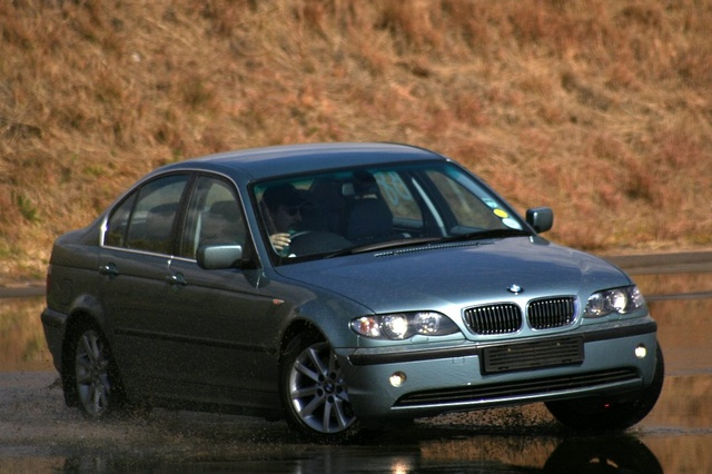 Picture of 2004 BMW 3 Series 325i Sedan RWD
