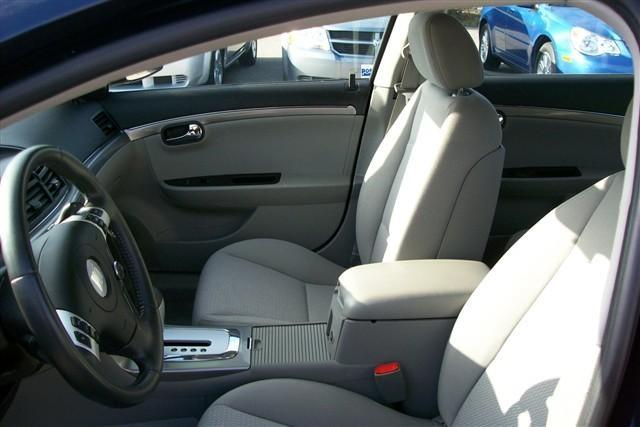 Picture of 2009 Saturn Aura XE, interior