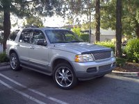 2004 Ford Explorer Picture Gallery