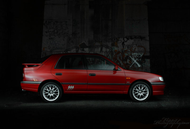 Picture of 1992 Nissan Pulsar