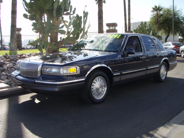 1997 Lincoln Town Car picture