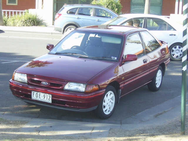 Picture of 1994 Ford Laser