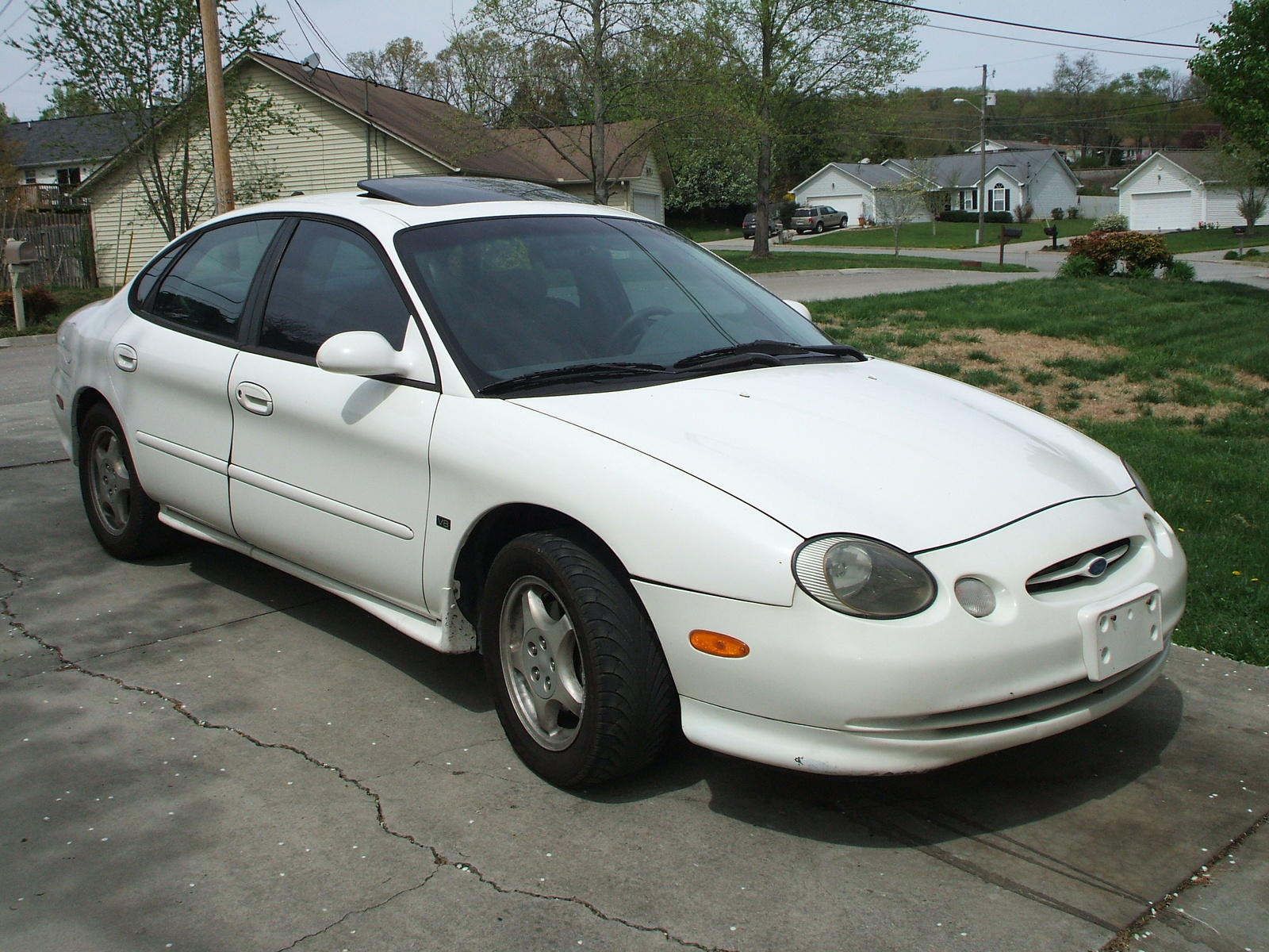 1998 Ford Taurus 4 Dr SHO Sedan picture