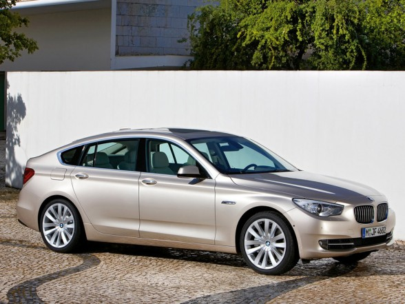 2010 BMW 5 Series Gran Turismo 550i picture