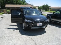 Picture of 2010 Mitsubishi Outlander XLS, exterior, gallery_worthy