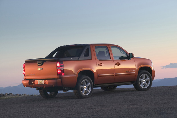 2011 Chevrolet Avalanche, Back Right Quarter View, manufacturer, exterior