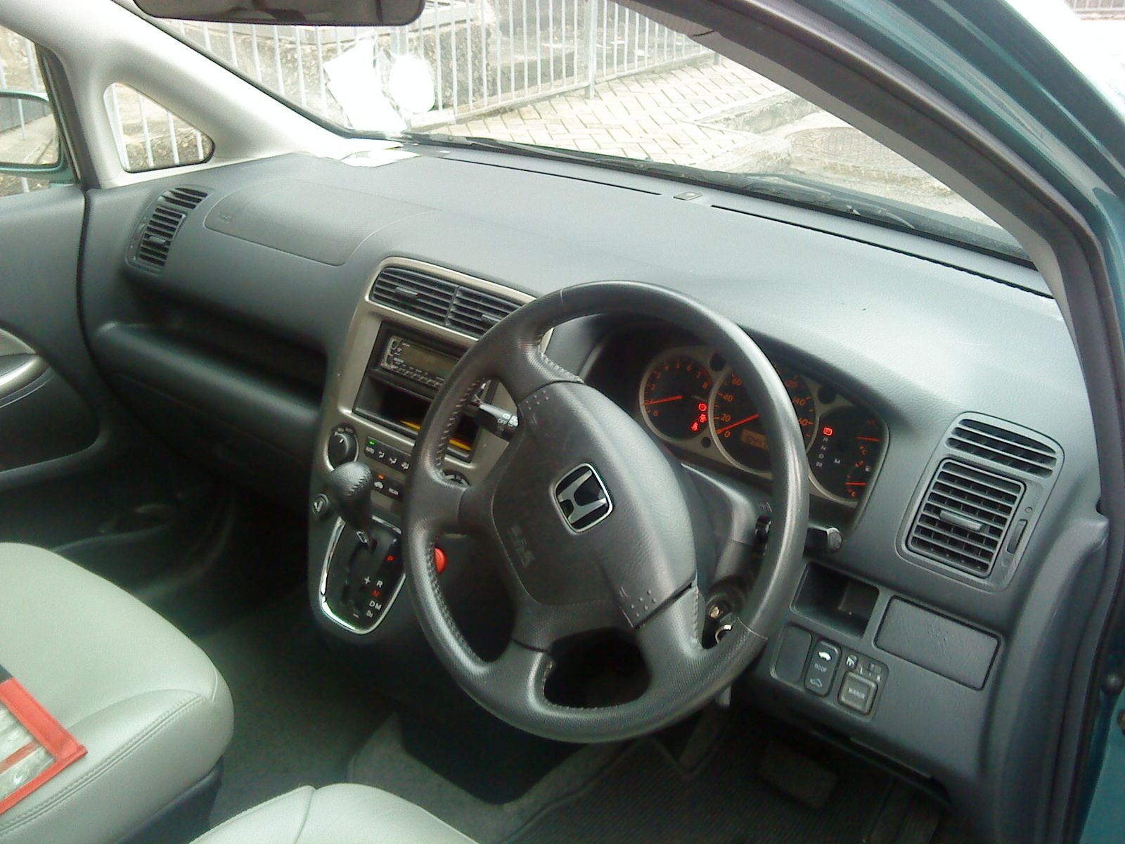 2001 Honda Stream picture, interior