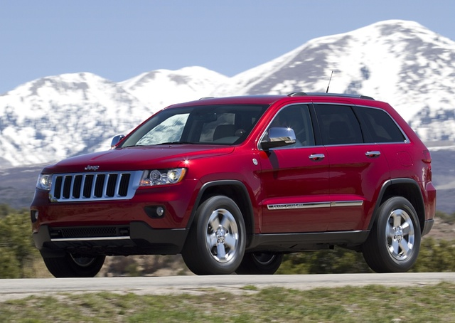 2011 Jeep Grand Cherokee, Front-quarter view, gallery_worthy