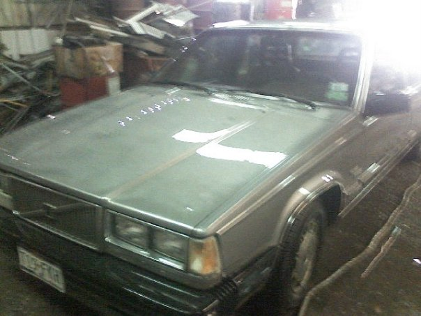 Picture of 1985 Volvo 740