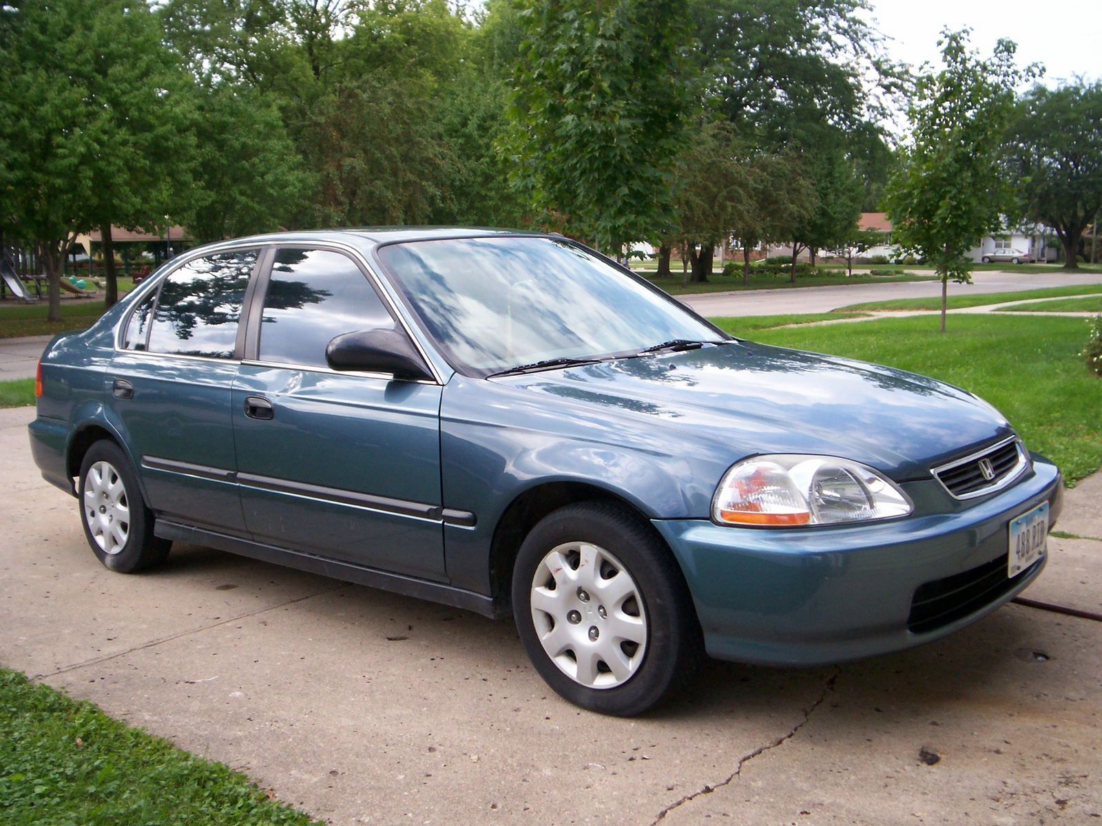 1998 Honda Civic 4 Dr LX Sedan picture