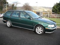2001 Volvo V40 Picture Gallery