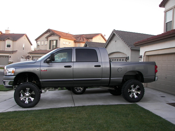 2011 lifted dodge ram 2500 mega cab car wallpapers and prices. Black Bedroom Furniture Sets. Home Design Ideas