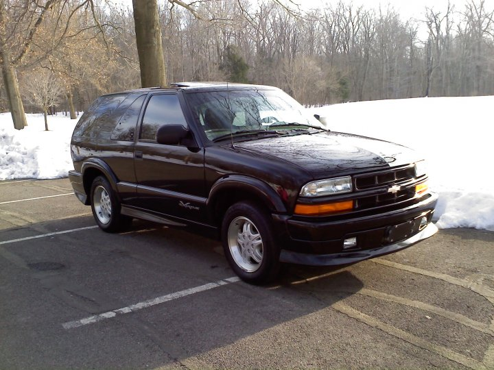 2001 Chevrolet Blazer 2 Dr Xtreme SUV, also in the metroparks, exterior