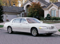 2003 Lincoln Town Car, Front Right Quarter View, exterior, manufacturer
