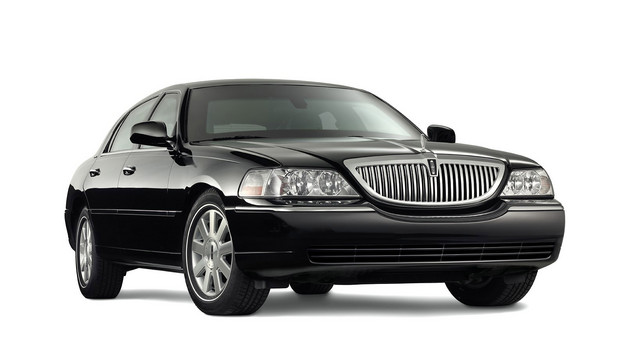 2011 Lincoln Town Car, Front Right Quarter View, manufacturer, exterior