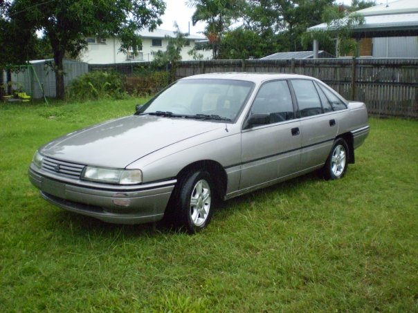 http://static.cargurus.com/images/site/2010/06/14/08/27/1991_holden_commodore-pic-1536117650626216655.jpeg
