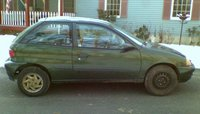 2000 Chevrolet Metro Picture Gallery