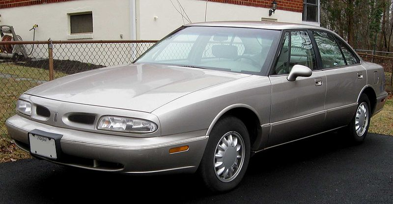 1999 Oldsmobile Eighty-Eight 4 Dr 50th Anniversary Sedan, mines white, exterior