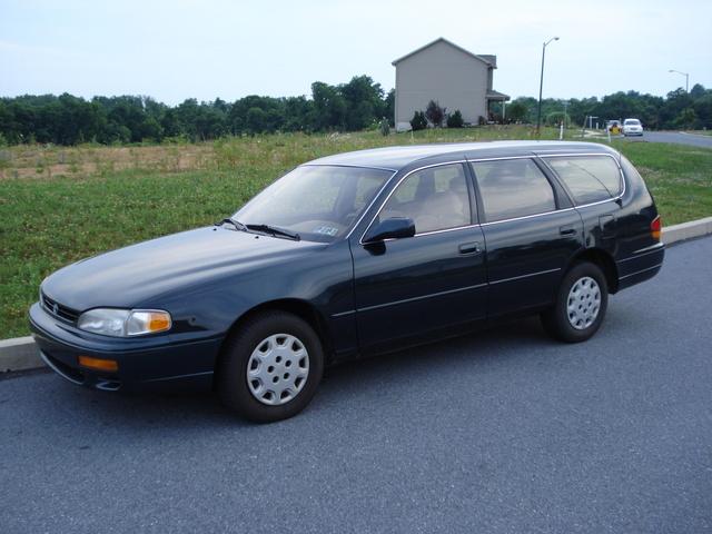 1995 Toyota Camry LE Wagon, Waginski, exterior