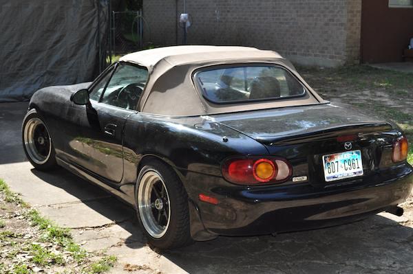 Mazda Miata 1999. 1999 Mazda MX-5 Miata 2 Dr STD