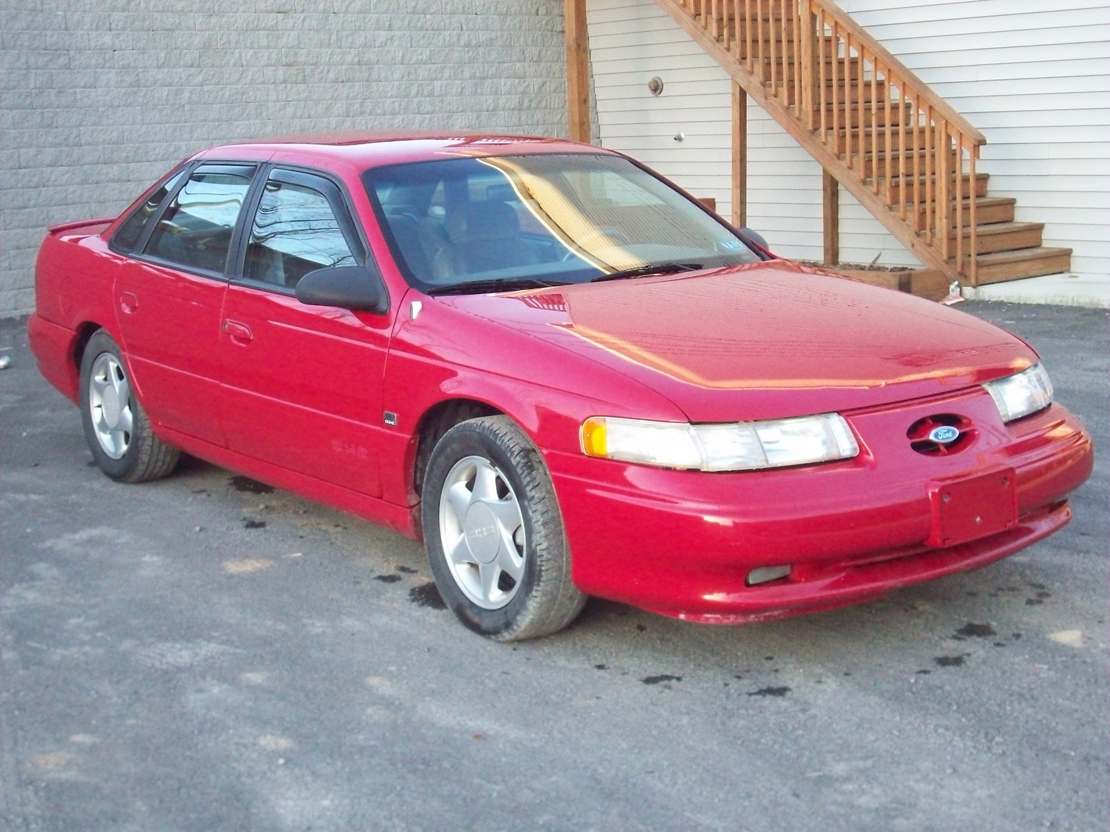 1994 Ford Taurus 4 Dr SHO Sedan picture