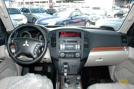 1994 Mitsubishi Pajero picture, interior