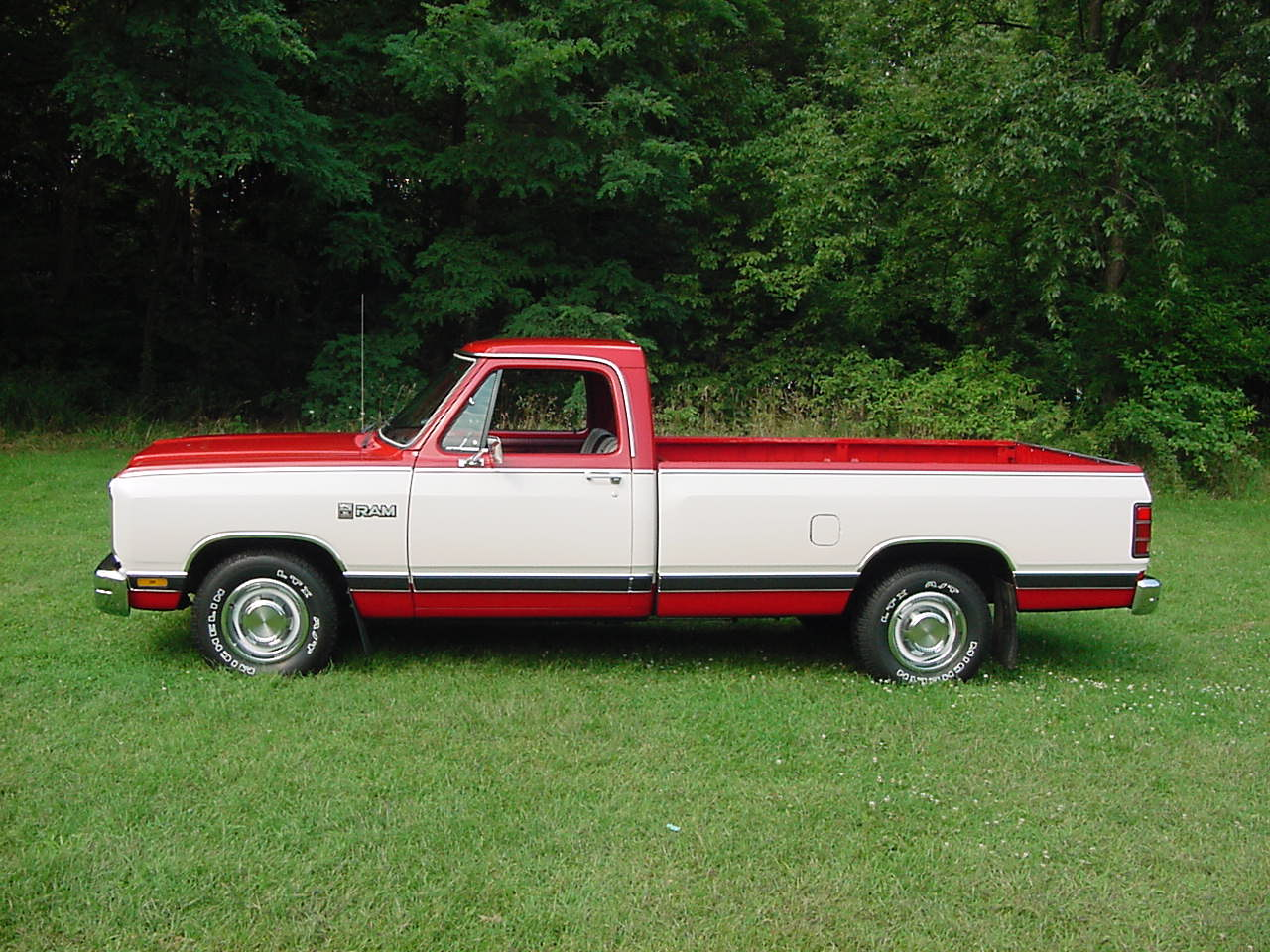 1986 Dodge Ram, mine looked like this but had a lot of rust around the bed and on the bottom of the truck and it was also white., exterior