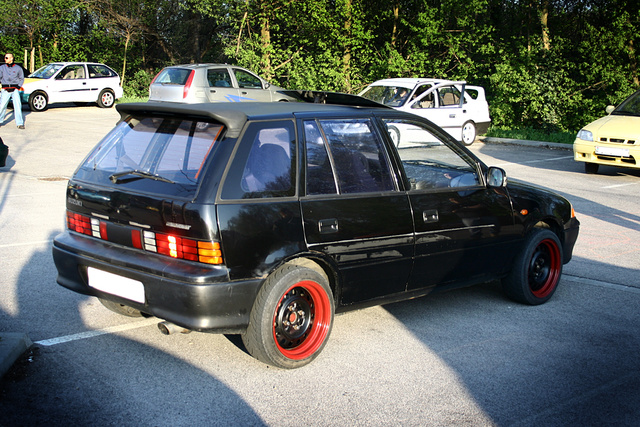Picture of 1996 Suzuki Swift