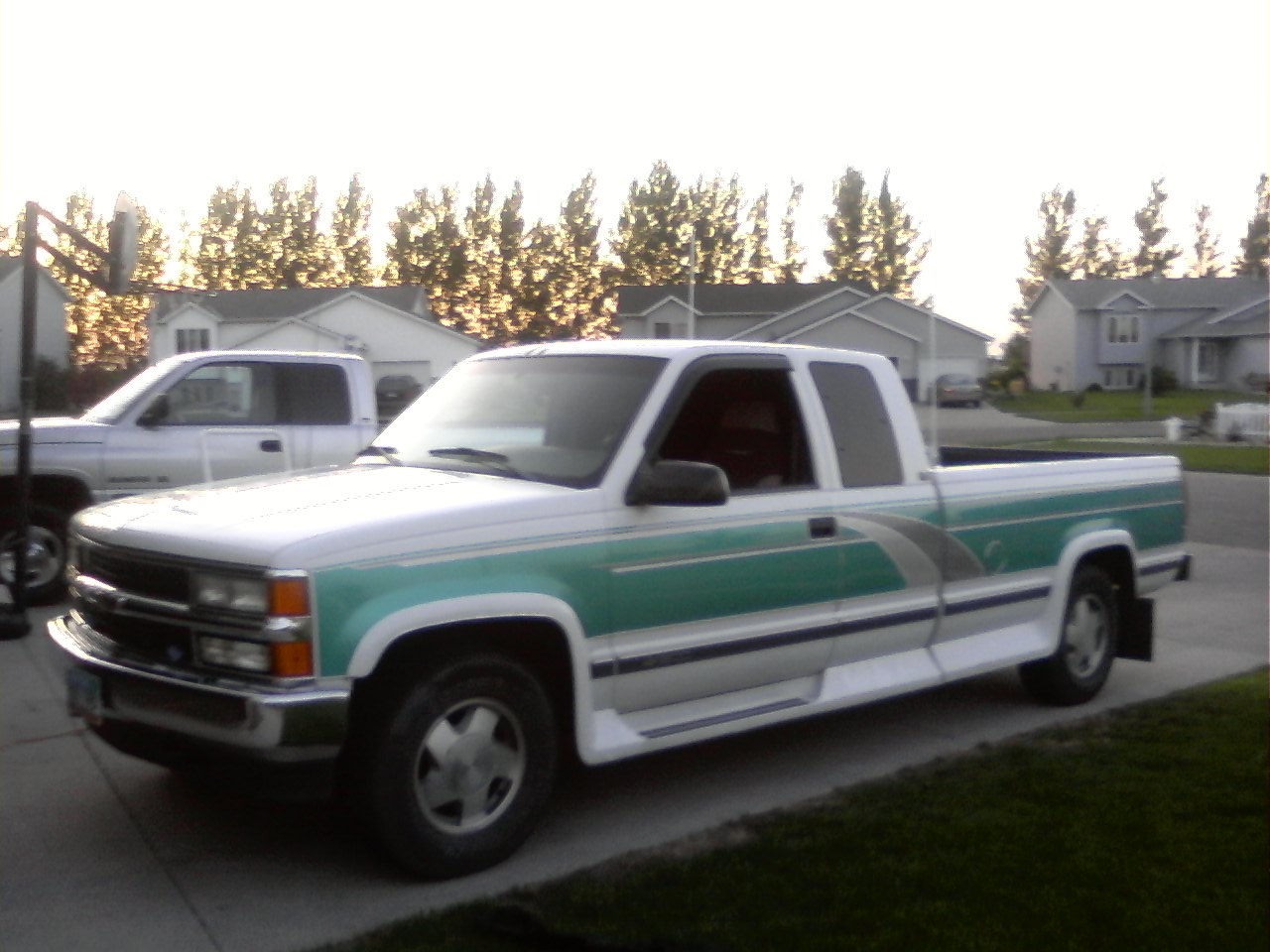 1995 Chevrolet C/K 1500 Ext. Cab 8-ft. Bed 4WD picture