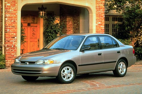 1998 Chevrolet Prizm 4 Dr STD Sedan picture