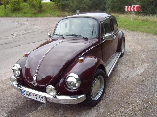 """1971 Volkswagen Super Beetle, ir stai po keliu savaiciu darbo vabalas atgijo naujam gyvenimui,pakeista spalva,visi chromai,slenksciai ir galines lempos """"papimpintos :D na ir stai jau galutini..."""