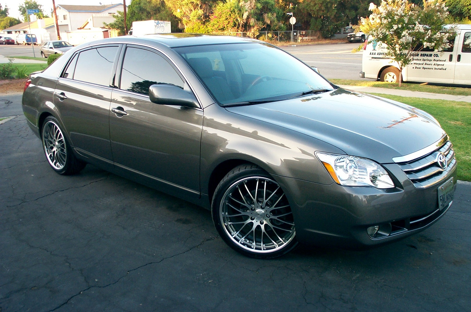 Picture of 2005 Toyota Avalon Limited