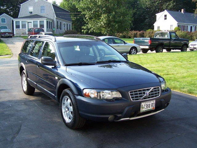 2004 volvo xc70 overview cargurus. Black Bedroom Furniture Sets. Home Design Ideas