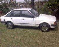 Picture of 1985 Ford Escort