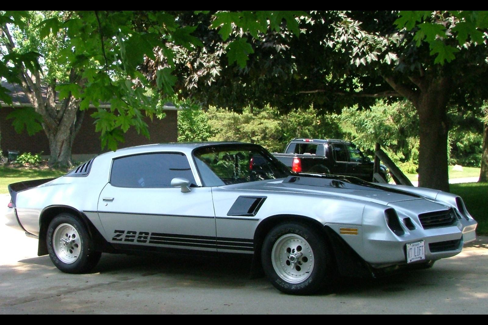 1981 chevrolet camaro - pictures