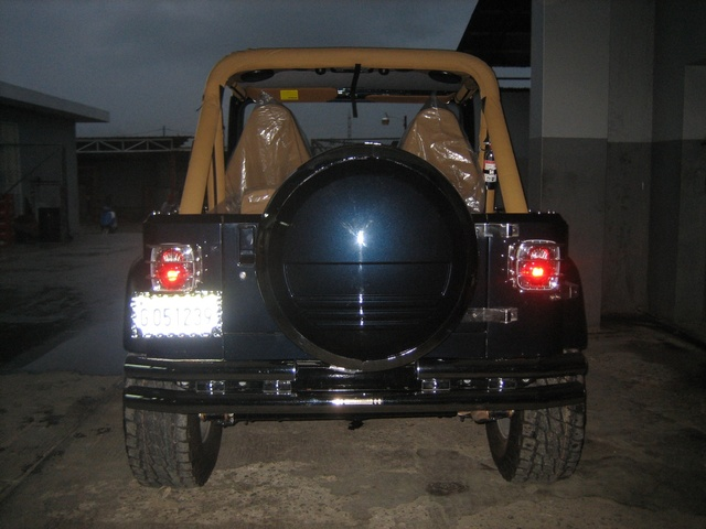 wrangler sahara 1990 custom