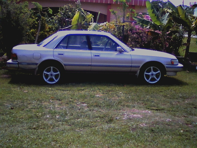 1990 honda accord sedan. [17]. 1990 Toyota Cressida 4