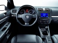 Interior of the 2008 Volkswagen R32