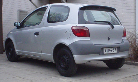 Picture of 1999 Toyota Yaris