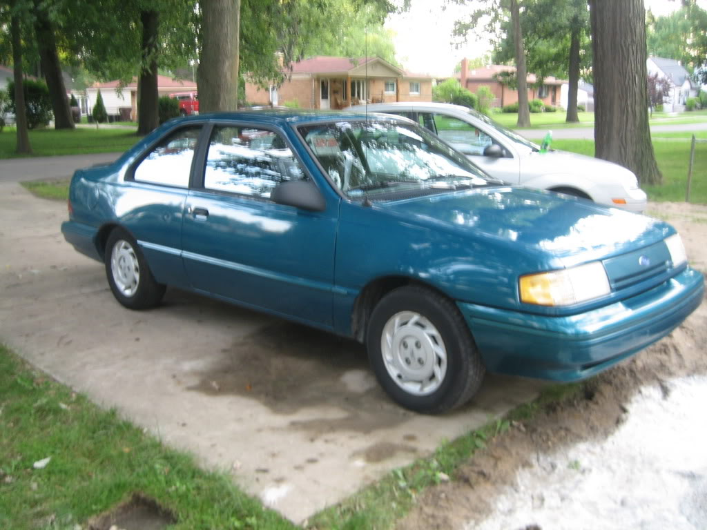 1993 Ford Tempo - Pictures