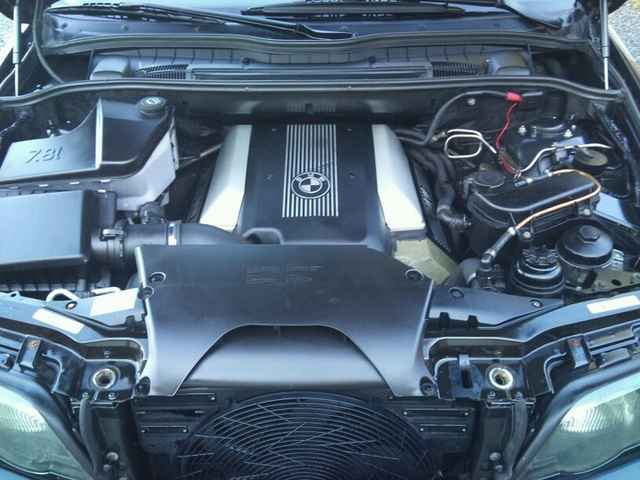 2000 BMW X5 4.4i, :-), engine