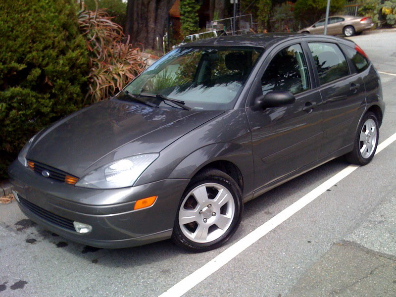 2003 ford focus overview