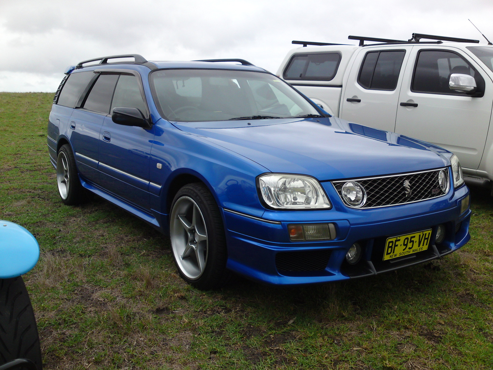 Nissan Stagea Rs.2000
