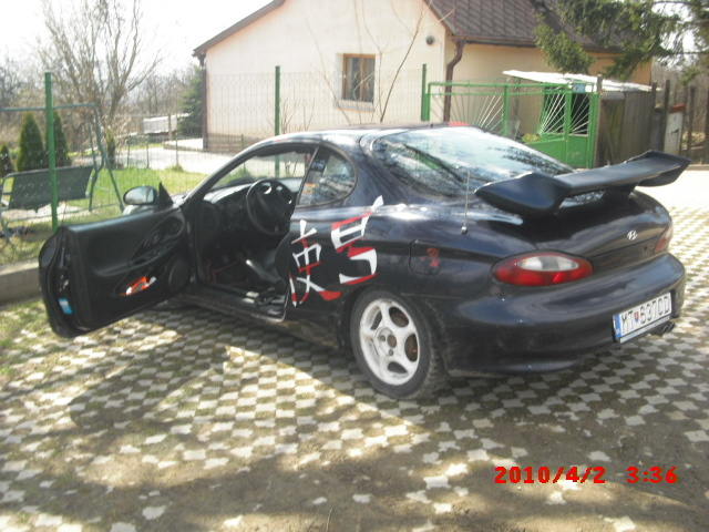 Picture of 1997 Hyundai Tiburon