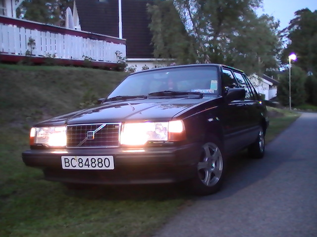Picture of 1995 Volvo 940