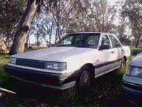 1987 Nissan Pintara Picture Gallery