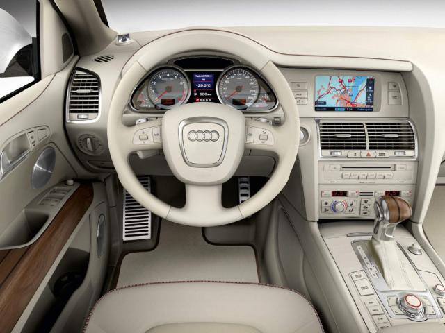 2011 Audi Q7 Premium Plus picture, interior