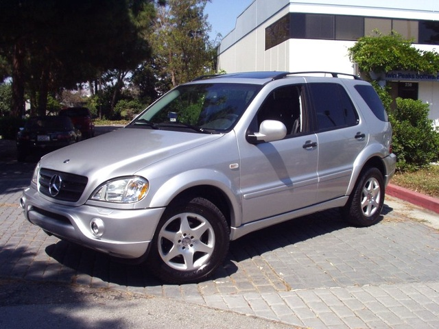 2000 mercedes benz m class overview cargurus for Mercedes benz suv 2001