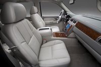 Picture of 2010 Chevrolet Suburban LTZ 1500 4WD, interior, gallery_worthy